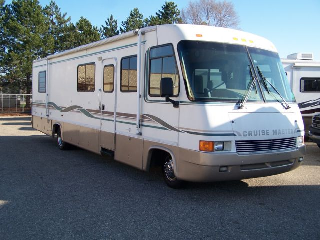 1996 Georgie Boy Cruisemaster 3411 - Stock # : 0405 Michigan RV Broker USA