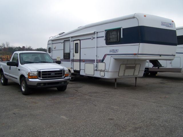 Ford   - Stock # : 0084 Michigan RV Broker USA